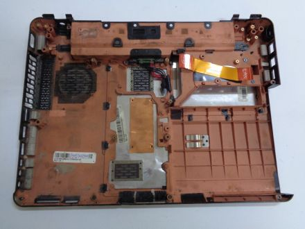 Долен корпус за Toshiba Satellite U400