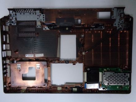 Долен корпус за Dell Studio 1558