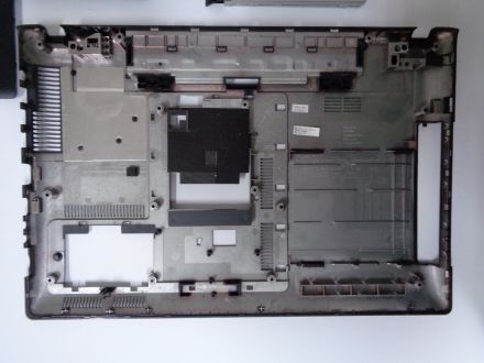 Долен корпус за Samsung RV511